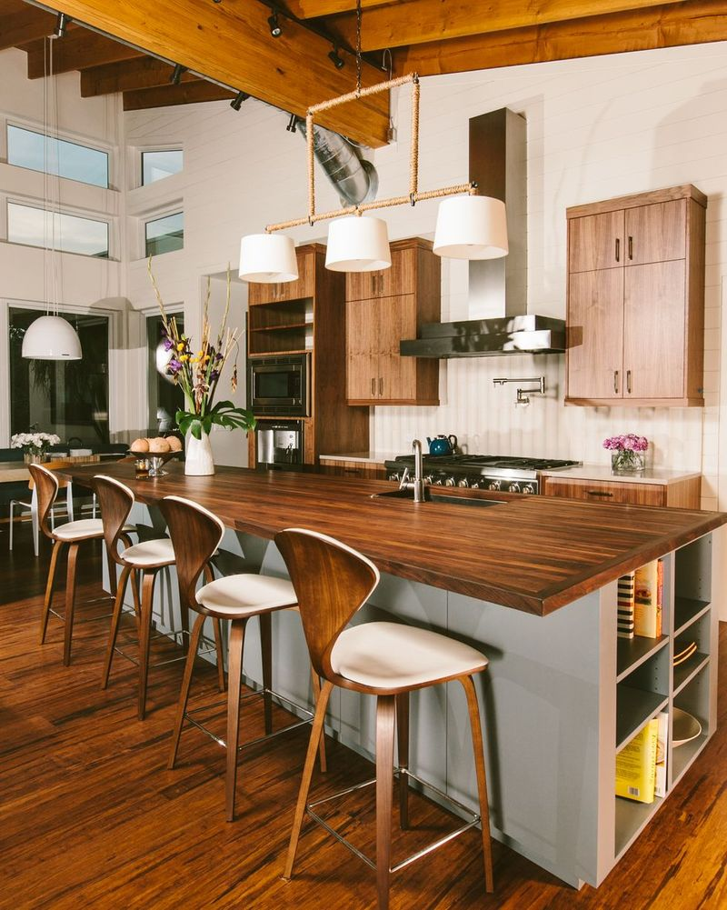 24 Best Double-Height Ceiling Kitchens That Bring Sweeping ...